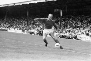 Reading 2-3 Manchester United, Watney Cup match at Elm Park, Saturday 1st August 1970. Bobby Charlton. Pic via Mirrorpix.