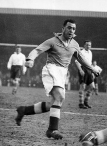 Dixie Dean in action for Everton. 16th April 1937. Pic by Mirrorpix
