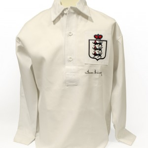 Signed-Tom-Finney-England-Shirt (1)