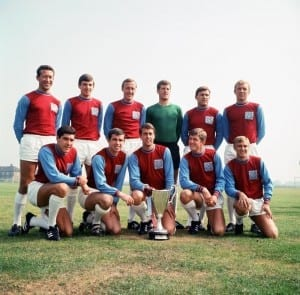 West Ham FC. Back Row: Ken Brown, Martin Peters, Joe Kirkup, Jim Standen, Brian Dear and Bobby Moore. Front Row: Alan Sealey, Ron Boyce, Geoff Hurst, Jack Burkett and John Sissons. 17th August 1965. Pic courtesy of Mirrorpix.