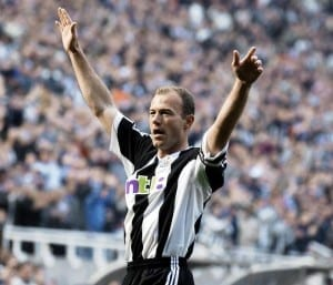 Newcastle United v Everton Premier League match at St James Park. Alan Shearer celebrates after scoring the equalising goal in his side's 6-2 win. March 2002. Pic via Mirrorpix.