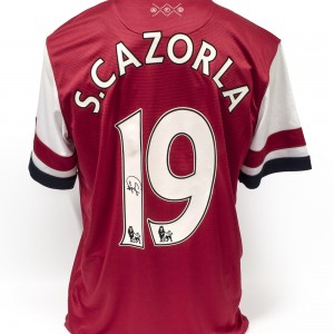 Signed-Cazorla-Arsenal-Shirt (3)