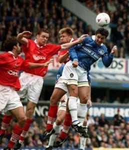 Gary Speed amassed 840 domestic appearances across his career, and became the first play to reach the 500-game milestone in the Premier League. (Image via Mirrorpix)