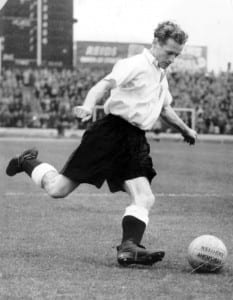 Preston North End footballer Tom Finney playing for England April 1954. Pic by Mirrorpix.