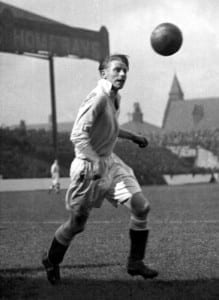 Football Manchester City player Peter Doherty circa 1936. Pic via Mirrorpix.