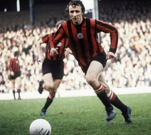 English League Division One match. Huddersfield Town 1 v Manchester City 1. City's Mike Summerbee in action.  30th October 1971. Pic courtesy of Mirrorpix.