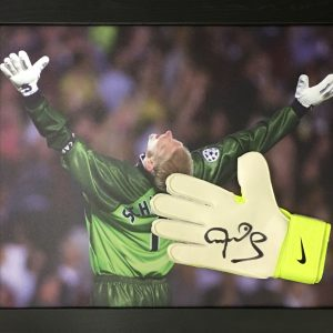 Peter Schmeichel Manchester United Signed Glove – Framed