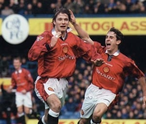 FA Cup Third Round match at Stamford Bridge. Chelsea 3 v Manchester United 5. David Beckham celebrates his goal  with teammate Gary Neville. 4th January 1998. Pic via Mirrorpix