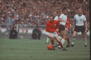 1966 World Cup Final at Wembley Stadium. England 4 v West German2 after extra time. Nobby Stiles turns on the ball watched by Wolfgang Overath and Siegrid Held? 30th July 1966. Pic via Mirrorpix.