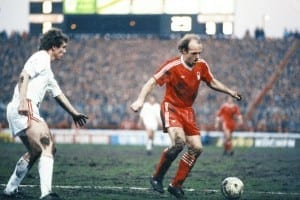 European Cup Semi Final First Leg match at the City Ground.  Nottingham Forest 3 v FC Cologne 3. Archie Gemmill of Forest on the ball.  11th April 1979. Pic via Mirrorpix.