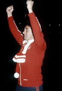 Brian Clough football manager  celebrating after his Nottingham Forest team had beaten Hamburg to win the 1980 European Cup. Pic via Mirrorpix.