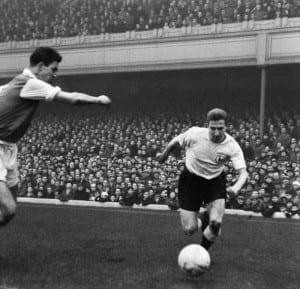 Jones making his debut for Tottenham Hotspur in the 4-4 draw against North London rivals Arsenal, 22nd February 1958. Pic via Mirrorpix.