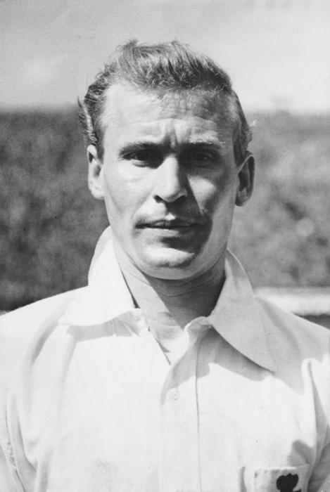 Wilf Mannion, affectionately referred to as the 'Golden Boy' due to his blonde hair and his technical ability. Image via Mirrorpix.