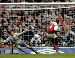 Patrick Vieira dispatches the winning spot-kick in the 2005 FA Cup final - his last appearance in an Arsenal shirt. Image via Mirrorpix.
