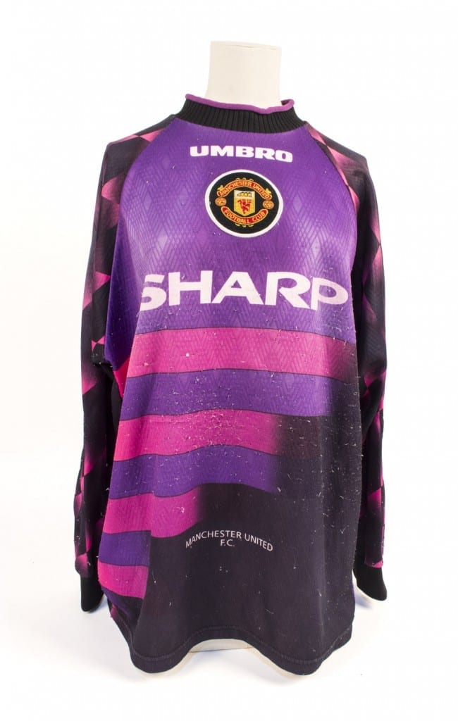 847be96727b Manchester United Ladies goalkeeper shirt, 1996 - National Football ...