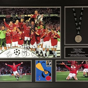 Manchester United multi Signed 1999 Champions League Final photo with medal- framed