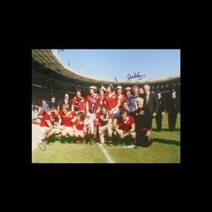 Manchester United 1977 FA Cup Winners Photo Signed by 5