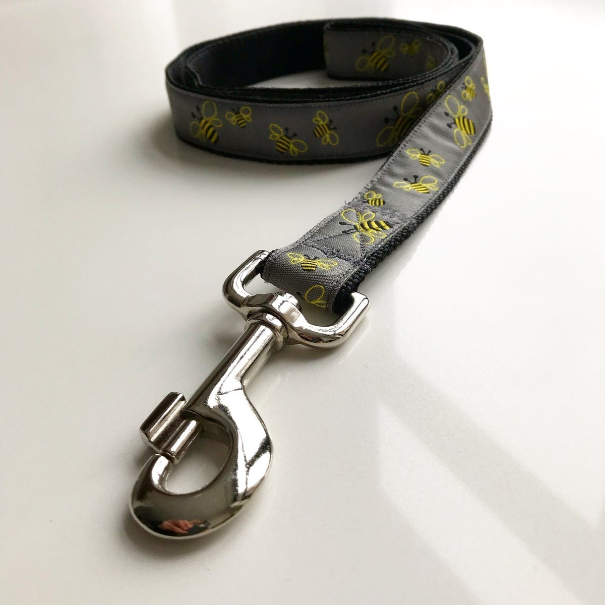 Manchester Bee Grey Dog Lead