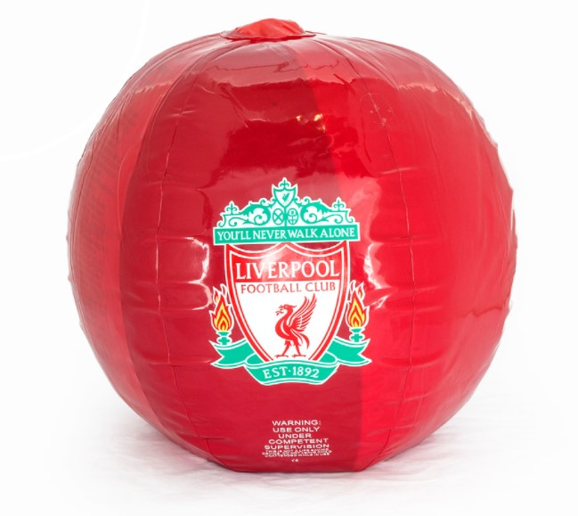 This beach ball caused problems for Pepe Reina